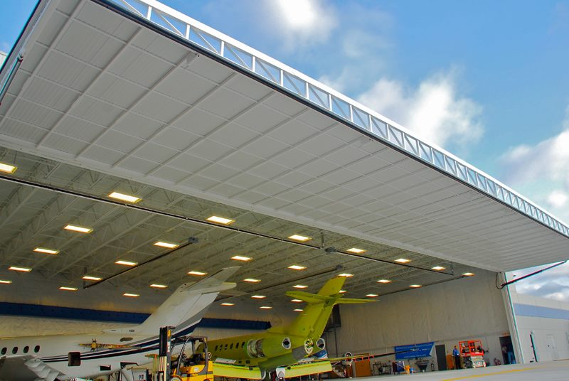... hydroswing europe uk hangar door systems 366 ... & Hydroswing USA | Hangar Doors | Hydraulic Doors | Aviation ... pezcame.com
