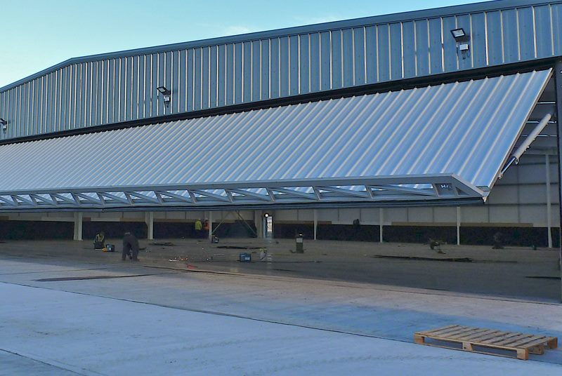 ... hydroswing europe uk industrial door systems 406 ... & Hydroswing USA | Industrial | Hydraulic Doors | Overhead Doors pezcame.com