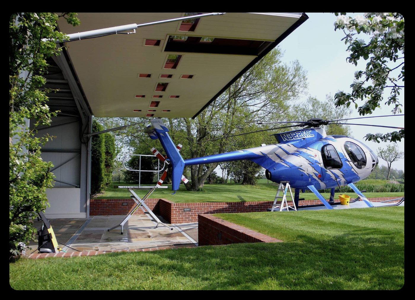 united kingdom helicopter hangar door by hydroswing